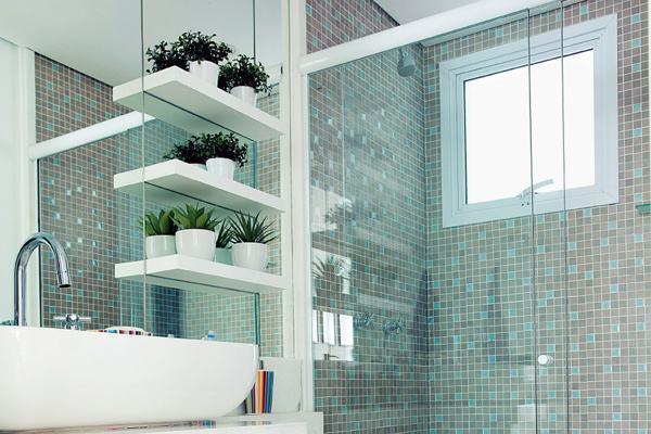 decoracao de ambientes pequenos banheiros:Banheiros Pequenos e Decorados: Nossas dicas!