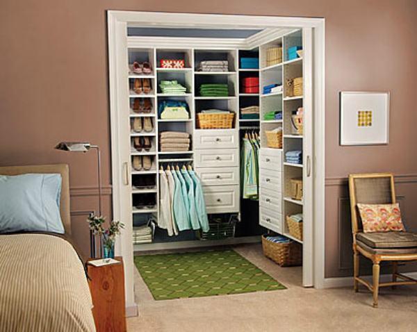 Small-walk-in-closet-design