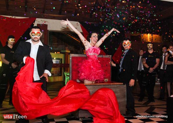 6-15-anos-gabriela-garopaba-festa-bal-masque-baile-de-mascaras-15-anos-vita-producoes1