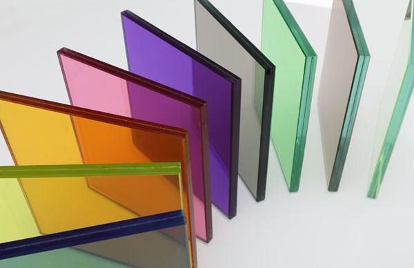 colored-laminated-glass-buildi