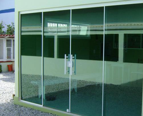 porta-de-vidro-temperado-verde