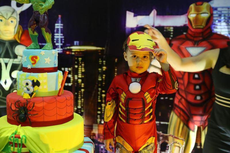 tema-super-herois-bolo-fantasia